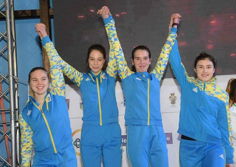 Хмельничанка Єва Мазур (друга ліворуч) стала срібною призеркою чемпіонату Європи в складі збірної України