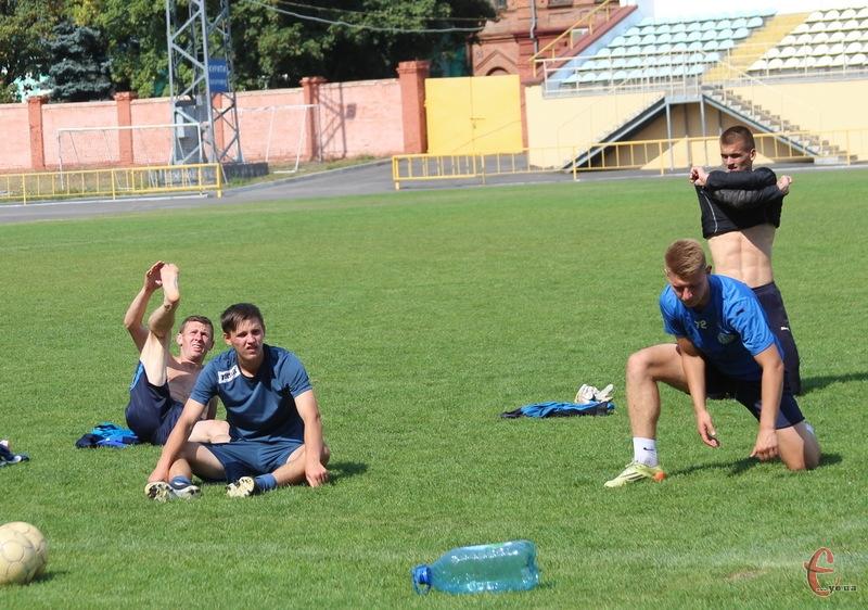 Поділля вже провело передматчеве тренування, участь в якого взяли новачки кулуб. 3 вересня о 16.00 команда на СК Поділля зіграє з Кристалом із Херсону