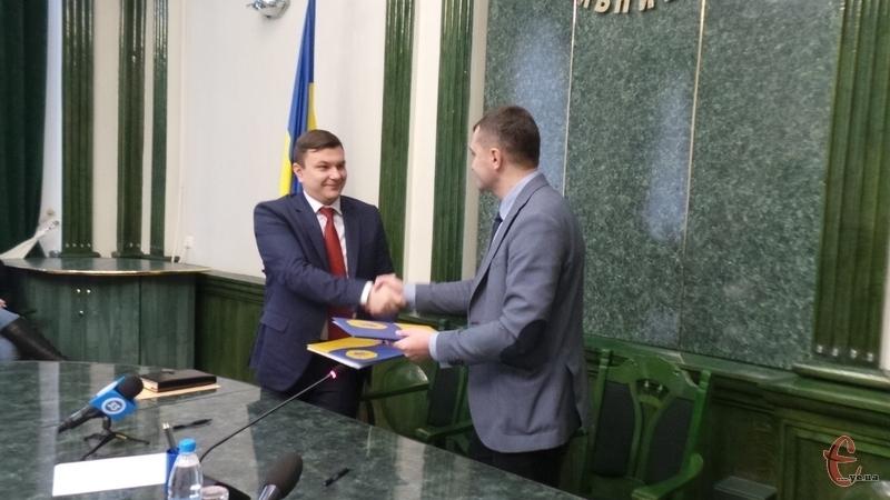 Міський голова Олександр Симчишин підписав меморандум щодо постачання обладнання та розхідних матеріалів для відділення гемодіалізу