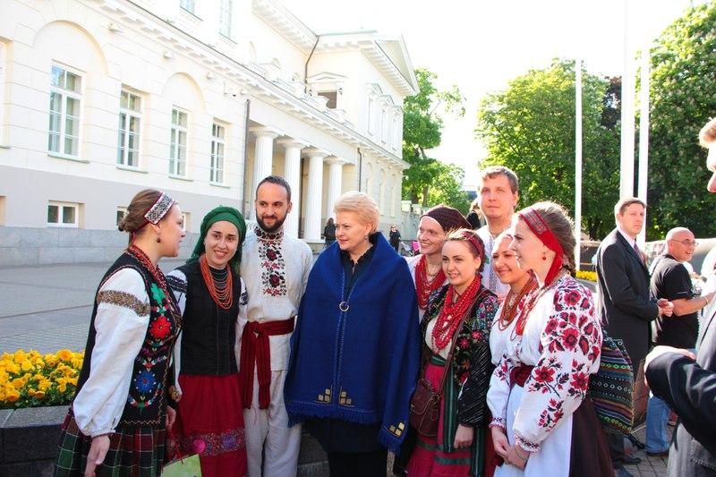 Український гурт спілкується із Президентом Литви