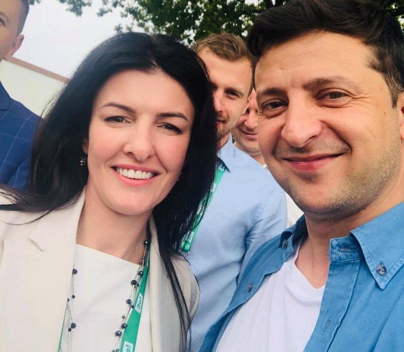 Олену Копанчук звинувачують у «кнопкодавстві»