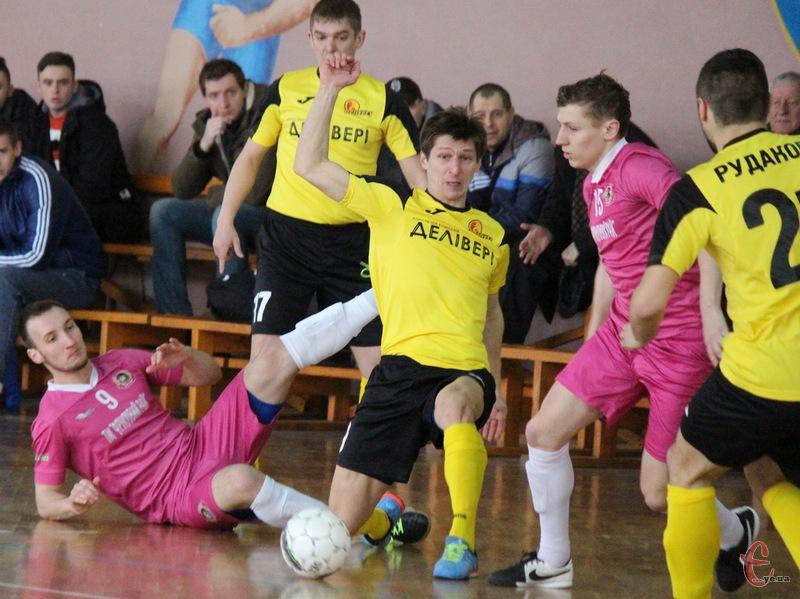 Хмельничани зіграют свої перші товариські матчу в нинішньому міжсезонні на турнірі в Одесі