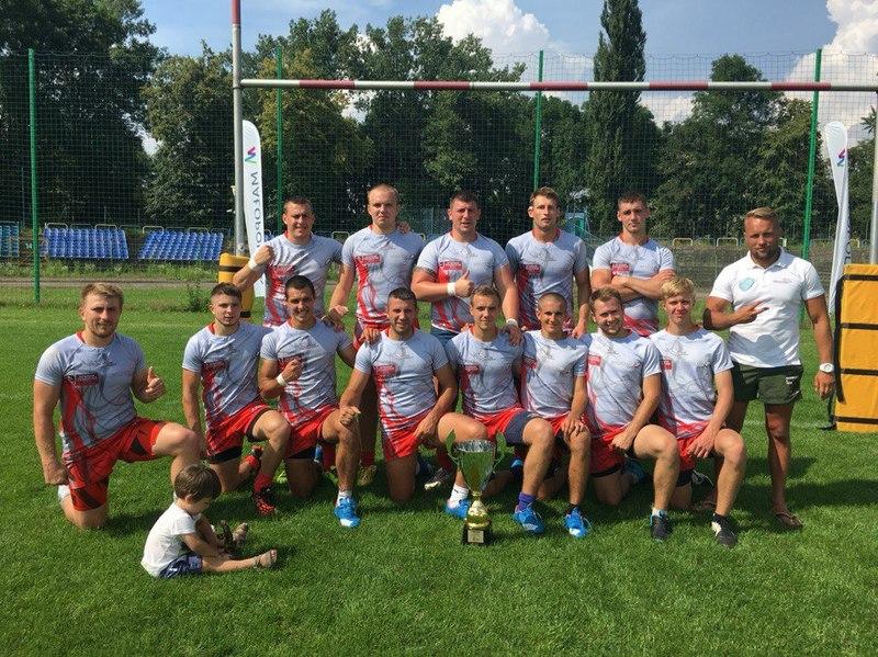 Регбісти з Хмельницького виграли усі матчі в Польщі та привезли додому почесний трофей