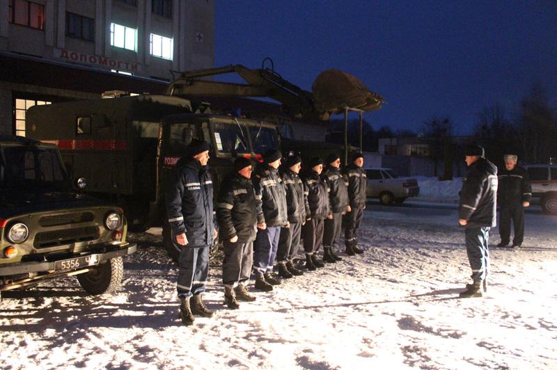 Семеро рятувальників аварійно-рятувального загону спеціального призначення відбули на Схід