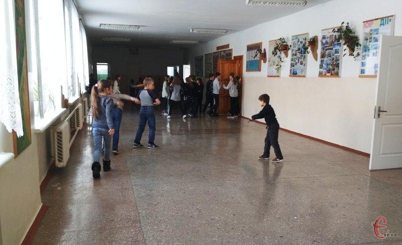 Щодня в місті проводиться збір інформації щодо відвідуваності учнів у навчальних закладів міста