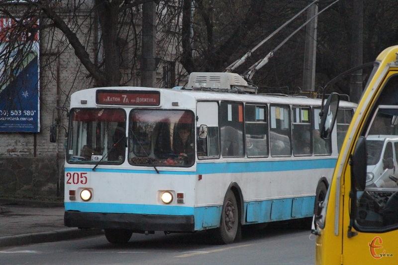 Тролейбуси з 17 до 26 жовтня оминатимуть Інститутську з 9 до 17.00