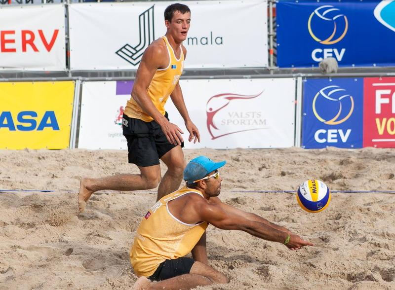Лідери збірної України з пляжного волейболу - Сергій Попов та Олексій Денін стали чемпіонами країни 2017 року