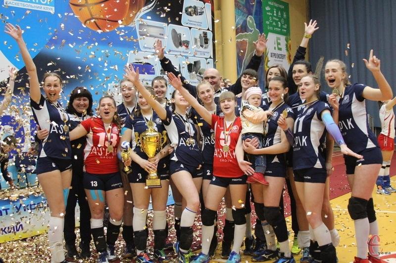 Дівчата з хмельницького Новатора в наступному чемпіонаті гратимуть у Суперлізі