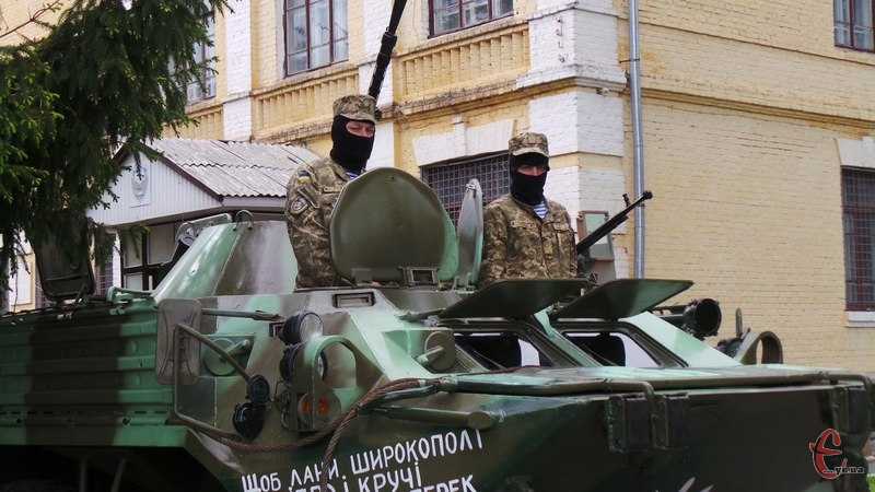 Військових відвідають перед святами волонтери