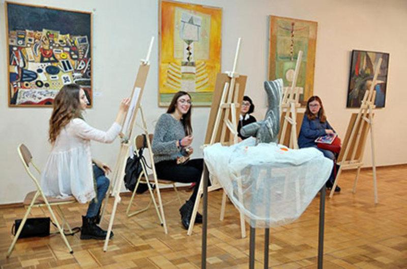 «Практики АРТистичні» – новий мистецький проект у Хмельницькому обласному художньому музеї
