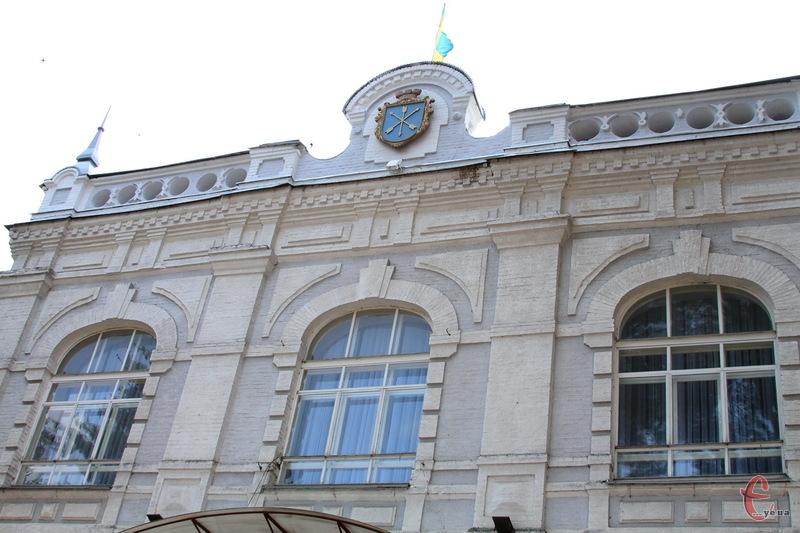 Посадовці Хмельницької міської ради відтепер можуть використовувати службове авто у визначений час