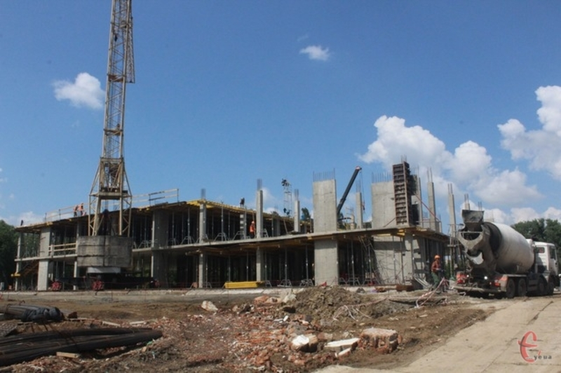 Спорудження Палацу спорту в червні минулого року