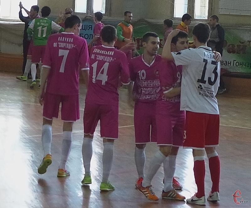 Дмитро Калуков (№7) у сьогоднішньому матчі забив чотири голи.
