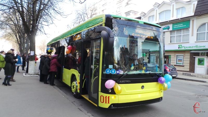 Нові тролейбуси уже курсують вулицями міста