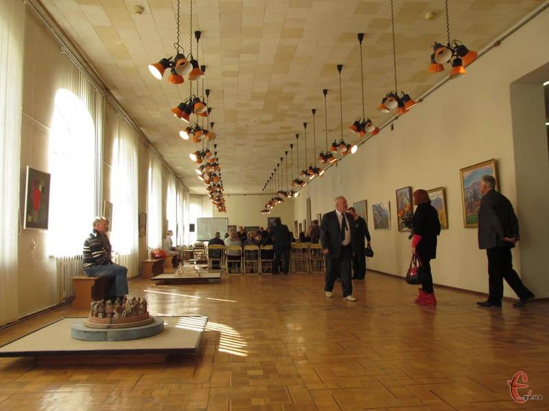Під час урочистостей у залах музею було людно