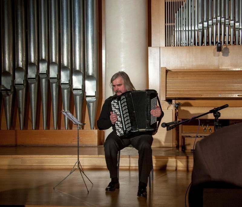 Відомий хмельницький композитор та музикант потрапив до реанімації з діагнозом Сovid-19