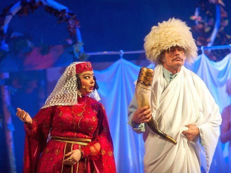 У неділю глядачам пропонують переглянути виставу «Ханума»