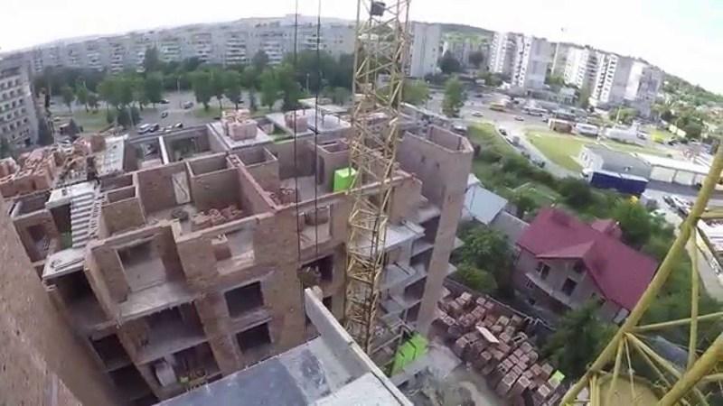 Майже один мільйон гривень штрафу накладено на хмельницького забудовника елітного житла