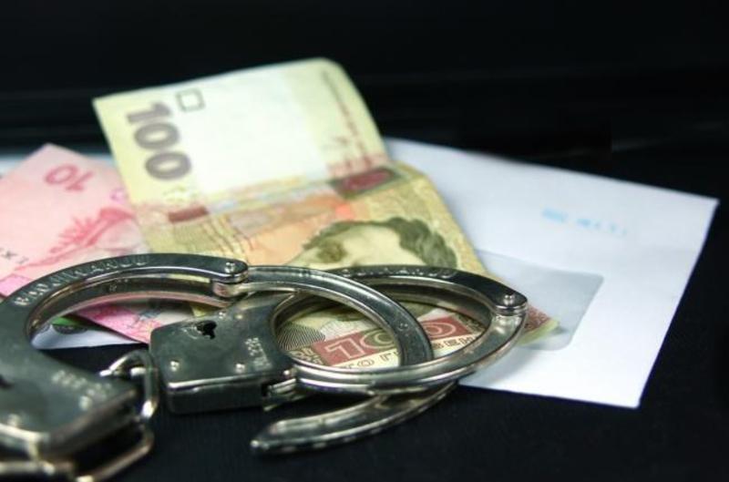 Правоохоронець шантажував водія, вимагаючи в нього гроші за збереження права керування автомобілем