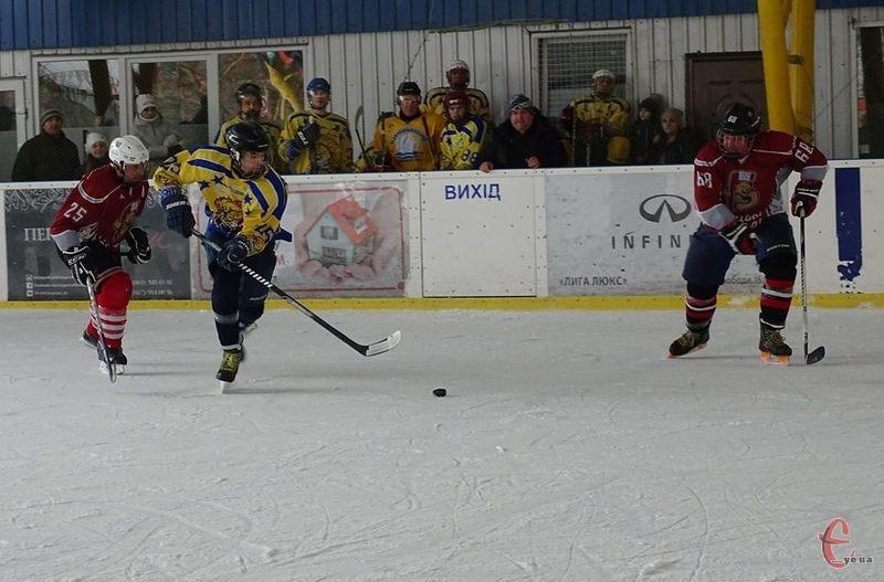Фінал чемпіонату Хмельниччини з хокею буде хмельницько-тернопільським