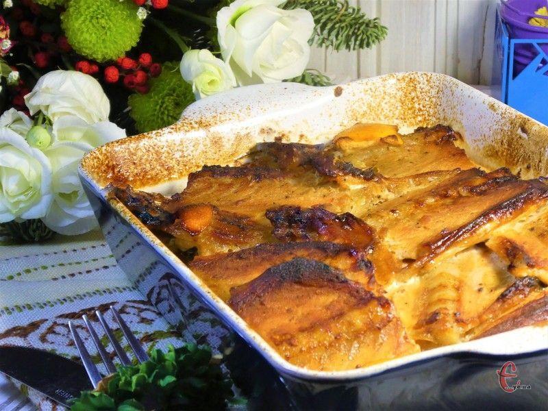 Нещодавно спробувала використати улюблений медово-гірчичний маринад для хребтів лосося і неабияк здивувалася, що і такий бюджетний варіант червоної риби смакує пречудово.