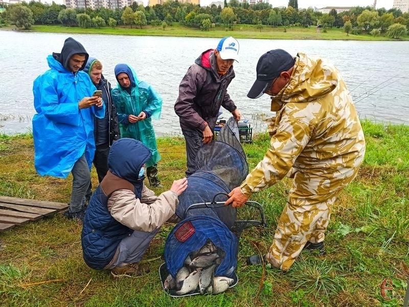 У Хмельницькому відбулися змагання серед рибалок