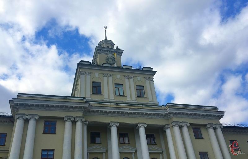 7 грудня Хмельницька обласна рада має обрати голову