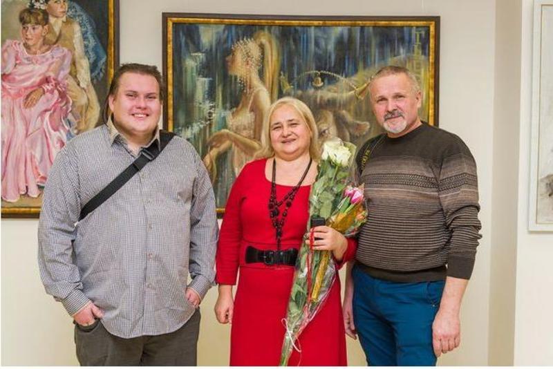 Ілля Лашов (ліворуч) народився у сім'ї митців.