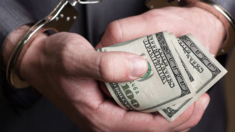 Депутатка отримала 400 доларів хабаря