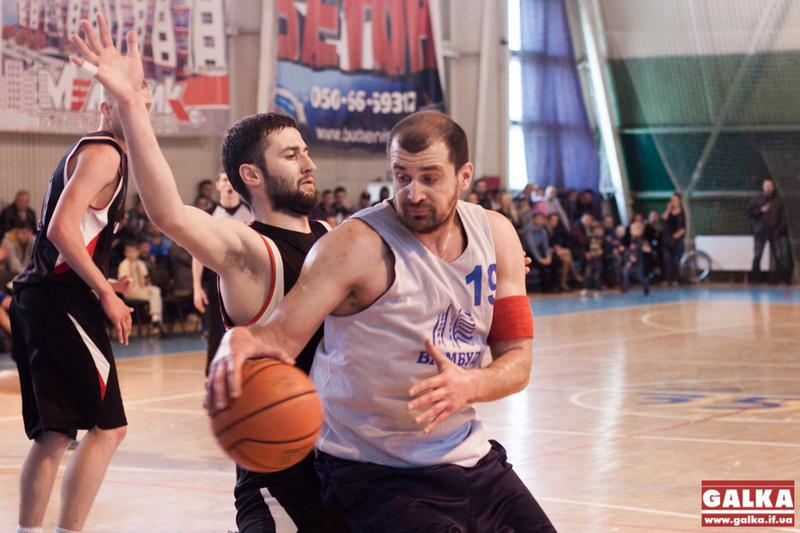 У фінальноум матчі кам'янчанам не вдалося втримати атаки івано-франківського баскетбольного клубу