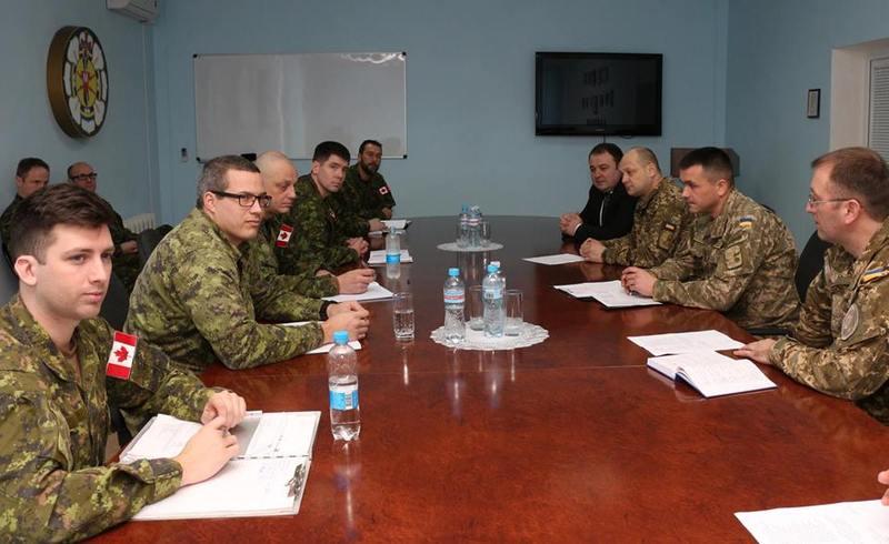 Відбулася перша зустріч командування Центру з військовослужбовцями ЗС Канади