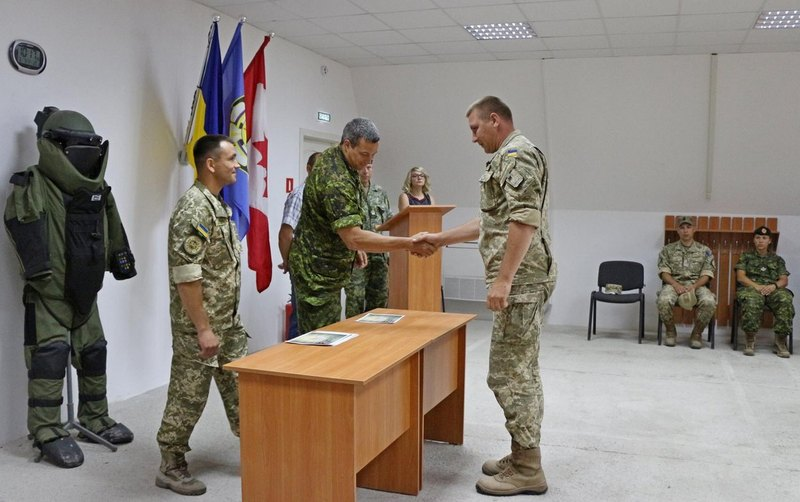 Ще 14 військовослужбовців завершили курс підготовки за стандартами НАТО