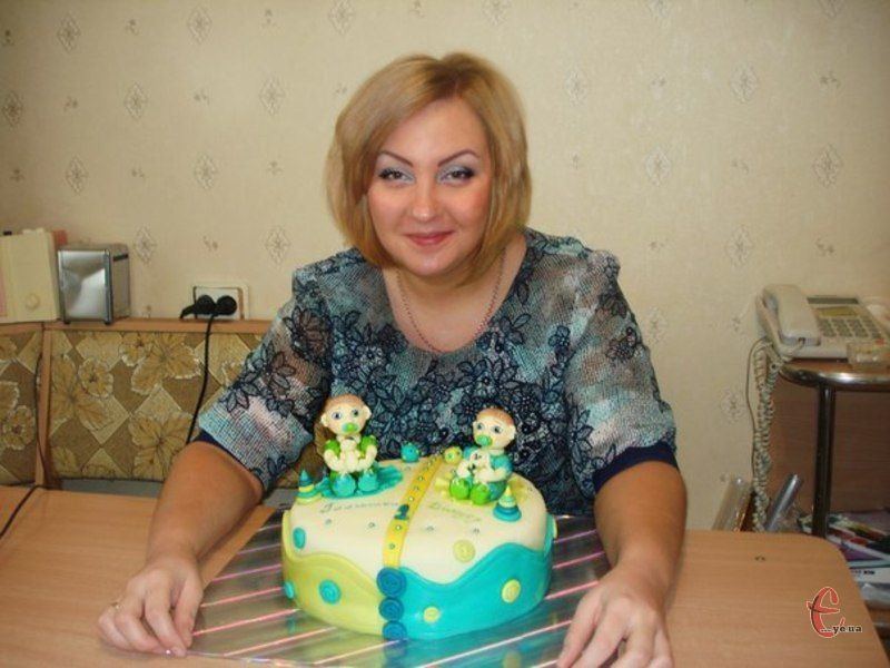 Все про ці мініатюрні кулінарні шедеври знає хмельничанка Наталя Сова, яка ось уже три роки займається випіканням тортів на замовлення.