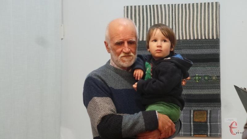 Олександр Гуменчук з онуком.