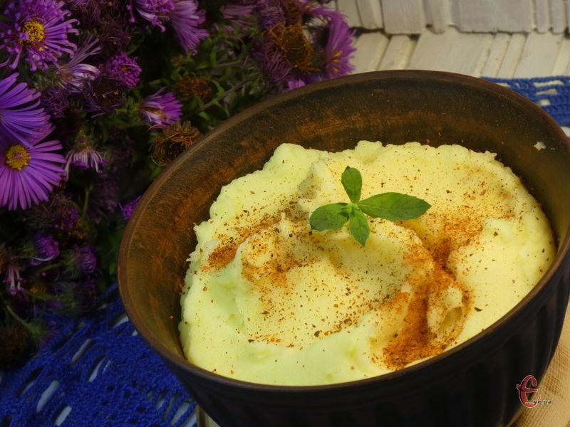Якщо ви звикли до традиційного картопляного пюре з вершковим смаком, цей рецепт стане для вас справжнім відкриттям!