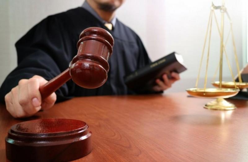 На Хмельниччині за корупційне правопорушення керівника комунального підприємства засуджено до 2 років позбавлення волі