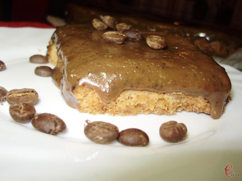 Рецепт-знахідка для ласунів! Верхній карамельний шар неймовірний — кавовий-кавовий, із легкою шоколадною ноткою.