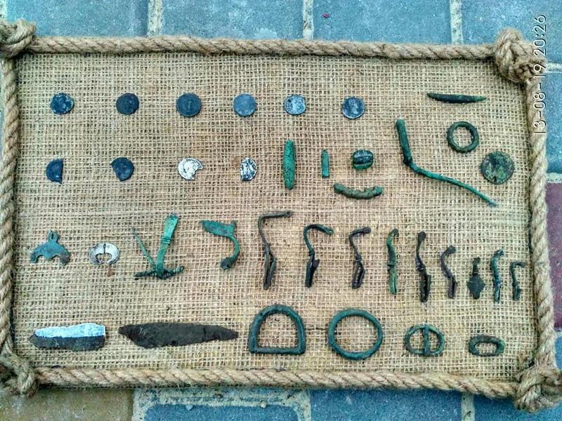 Усі речі з колекції були знайдені в околицях Чорного Острова