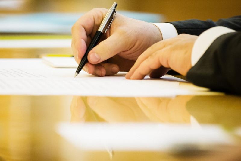 Закон про захист боржників вже підписав президент і після опублікування він набуде чинності