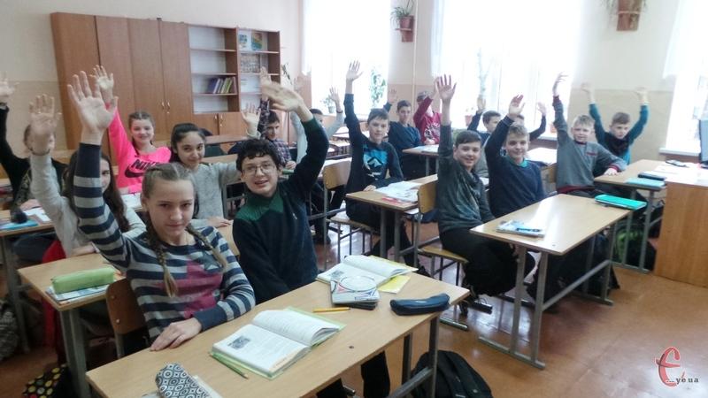 За кілька тижнів навчальний процес у школах Хмельницького знову припинять