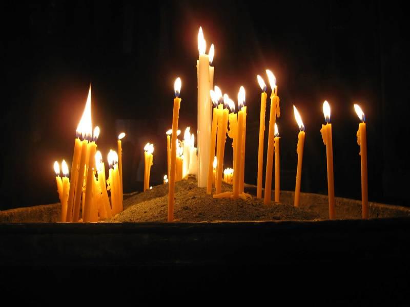 У церкві є визначені дні, коли моляться за померлих