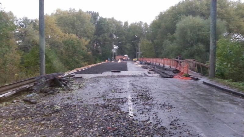В мерії кажуть, що в кінці листопада рух через міст буде відновлено