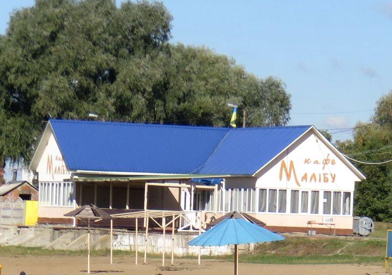 Міська влада не отримала документів, які підтверджують законність розміщення «Малібу» на території пляжу