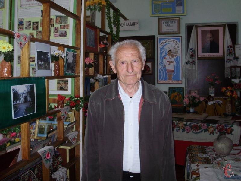 «Маємо декілька шедеврів. Серед них — залишки кухонного начиння, гончарські вироби, — розповідає директор музею Григорій Ситар..