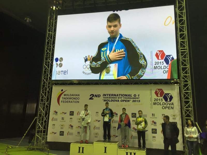 Артем Жуковський був найсильнішим у ваговій категорії до 56 кілограмів.