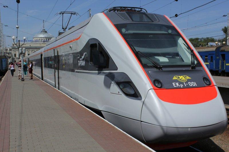 Потяг Перемишль-Київ затримується вже не вперше.