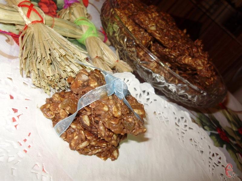Пропоную «здоровий» фітнес-рецепт шоколадного вівсяного печива швидкого приготування, яке в моїй сім'ї стало улюбленими ласощами.