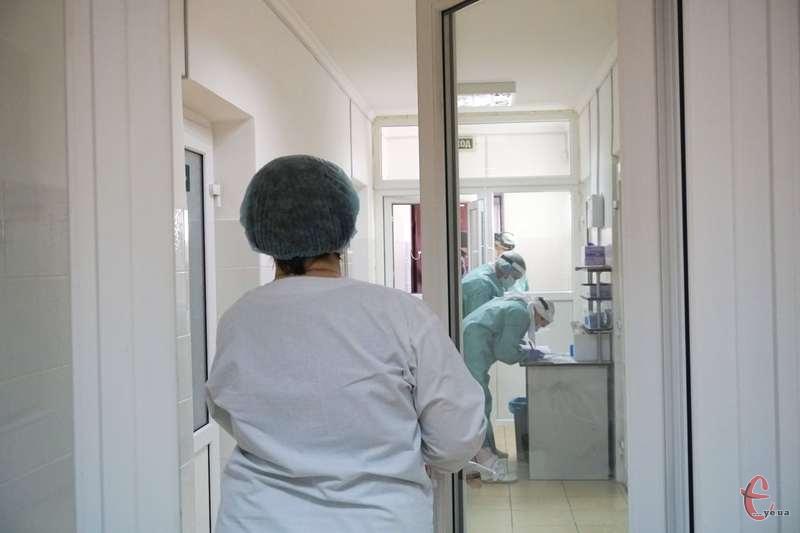 Завантаженість ліжок з киснем у лікарнях, що надають допомогу хворим з COVID-19, по області складає понад 71%