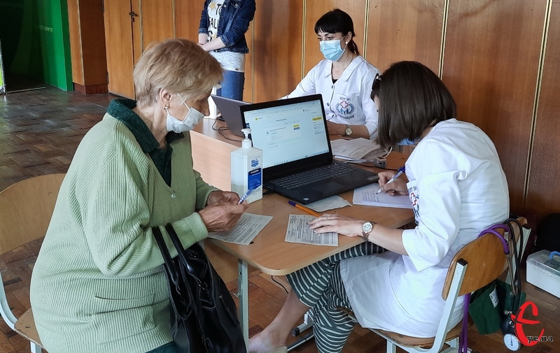 Нагадаємо, 12 червня в Хмельницькому відкрили першей центр вакцинації від Covid-19