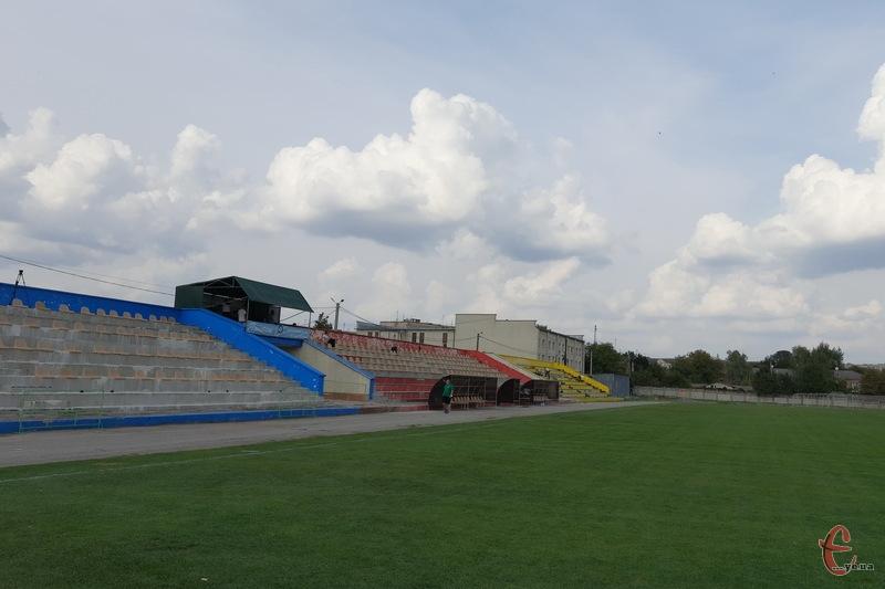 Матч Епіцентр - Агробізнес пройде в Дунаївцях на стадіоні Колос